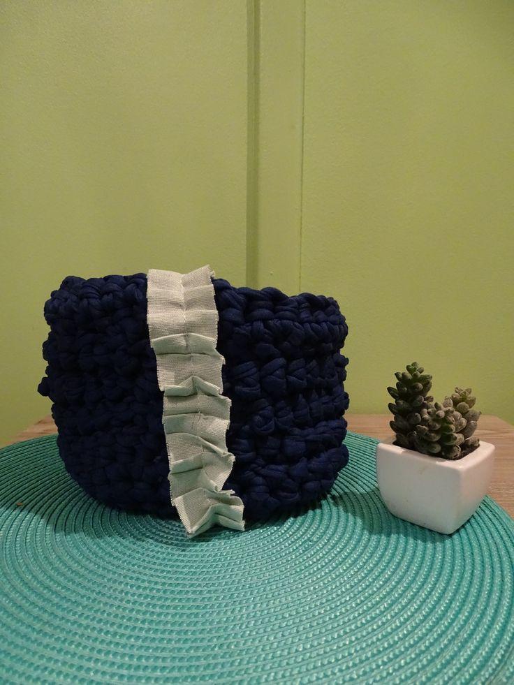 CORBEILLE DE RANGEMENT BLEU MARINE AU TRAPILLHO : Accessoires de maison par miss-cup-of-tea