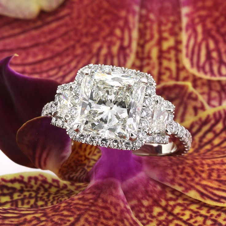 Unique Mark Broumand ct Radiant Cut Diamond Engagement Ring