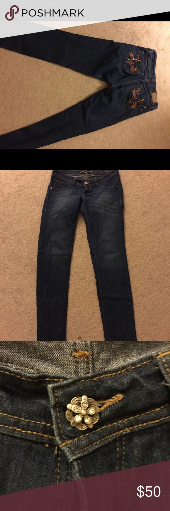 Jeans for Big booties with gorgeous details Sits Low on waist Jackie Guerrido Jeans Skinny