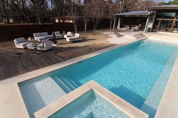 Rectangular pool with hot tub and tanning ledge