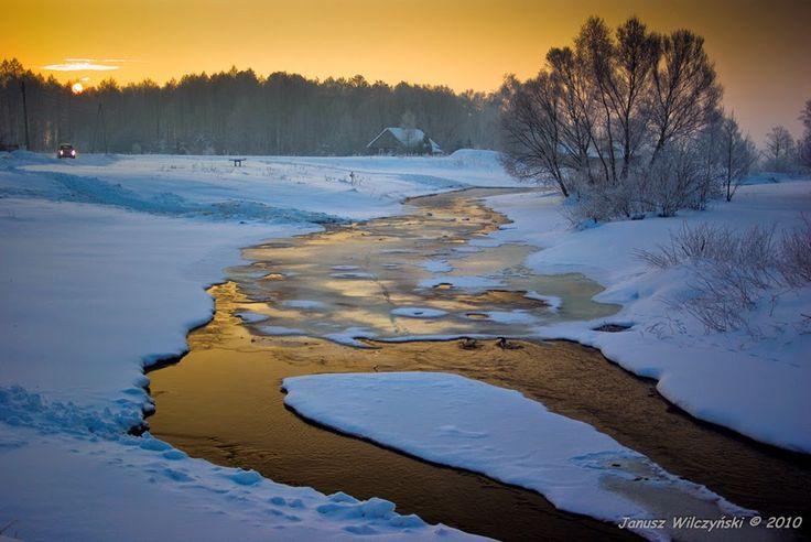 KRESY : Muchawka  river valley. / Dolina Muchawki.