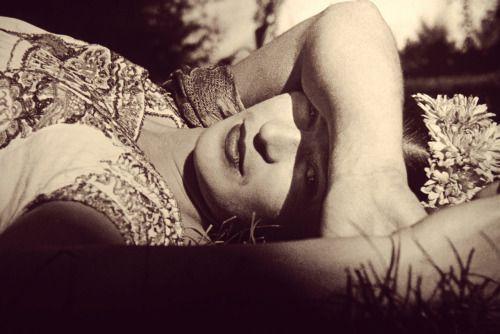 lauramcphee: Frida Kahlo (In the Sun), c1941 (Leo Matiz)