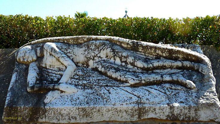 Monumento funebre al Cimitero del Laterino.