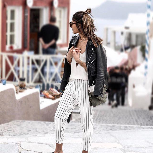 Nouveau look sur le blog, shooté à #Santorini ! ➔ junesixtyfive.com✔️ @fbysam #ootd #outfit #wiwt #tenue #look #tenuedujour #lookoftheday #lookdujour