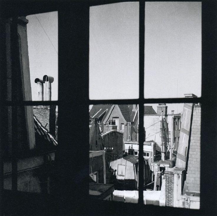 Eva Besnyö Amsterdam, 1936 From Eva Besnyö Thanks to liquidnight