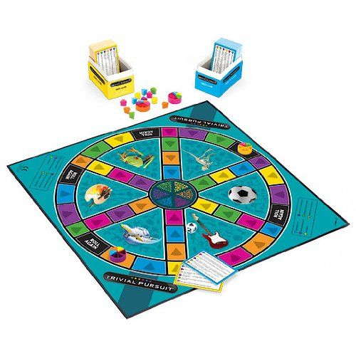 Trivial Pursuit Family Edition Board Game: Hasbro Gaming: Amazon.co.uk: Toys & Games