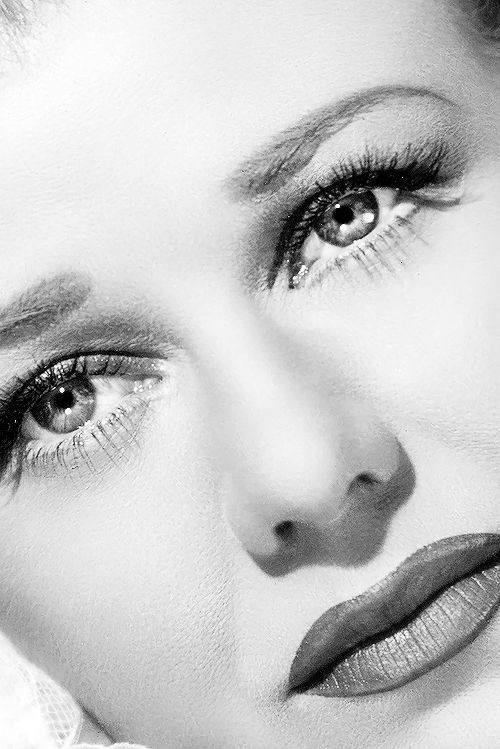 Ginger Rogers look at 1930's over painted lips