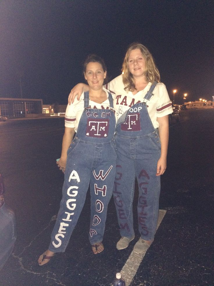 """""""Going to the Aggie Yell, a college football pep rally with my host Mum!"""" """"My exchange year greatly impacted my life and it made me more open and I feel like I've had the opportunity to experience things that some people never get, for that I am grateful and appreciative for everyone who helped me and supported me in my year."""" Tamekah #america #usa #studentexchange #exchangestudent"""