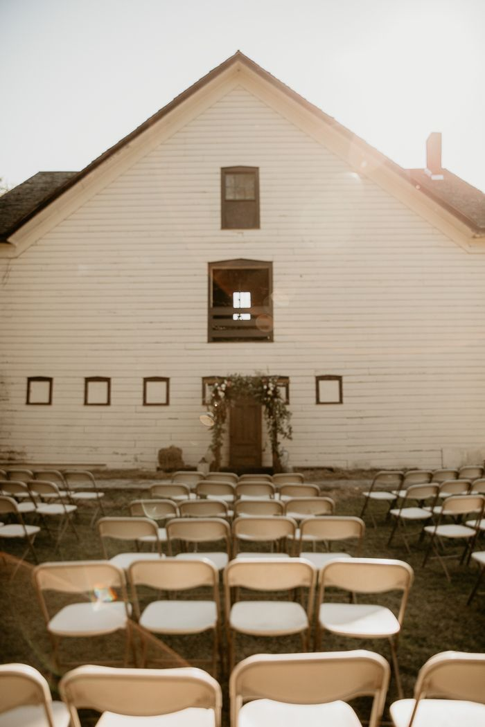 Halloween Austin 2020 Sky Catskills Barn Wedding With Halloween Vibes | Junebug Weddings in