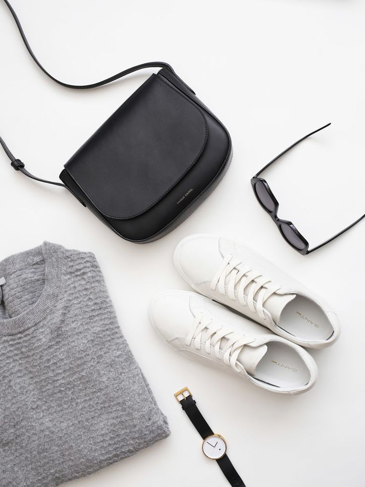 minimal monochrome wardrobe essentials in this flat lay | curated by ajaedmond.com | capsule wardrobe | minimal chic | minimalist style | minimalist fashion | minimalist wardrobe | back to basics fashion