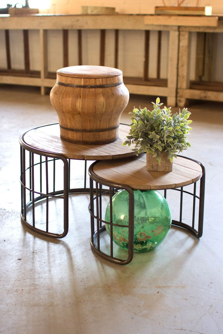 Nesting Round Coffee Tables With Slat Wood Top And Metal Tube Base Set Of 2