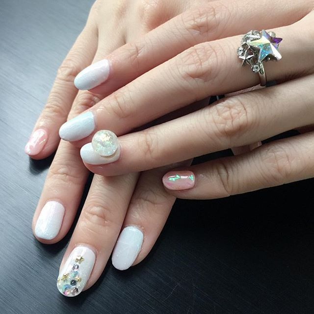 Whoa! There snow globe nails are unreal.