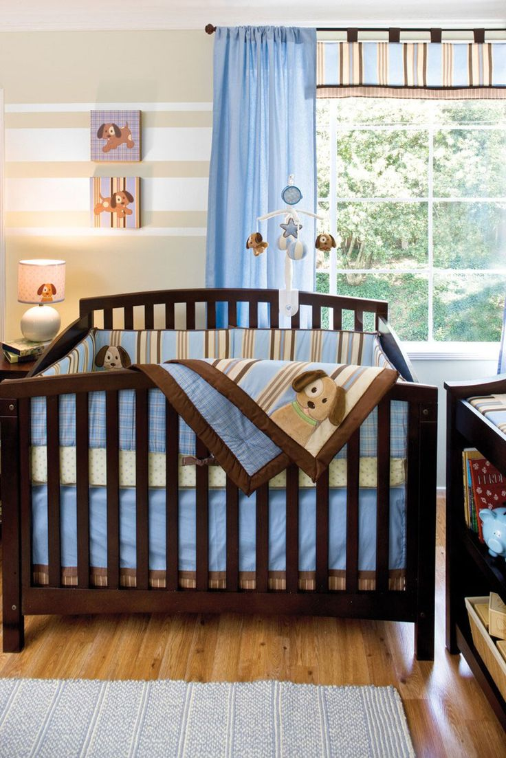 How cute is this bedding and curtain set?!