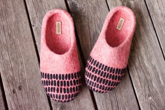 Coral felted slippers textured home shoes striped woolen clogs