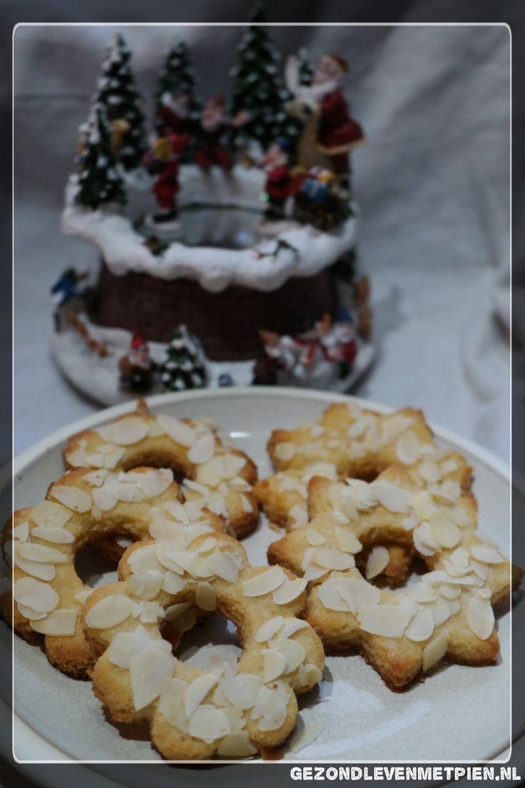 Zelf koolhydraatarme kerstkransjes bakken die glutenvrij, suikervrij en granenvrij zijn. Dan ga je gezond de kerstdagen door :)