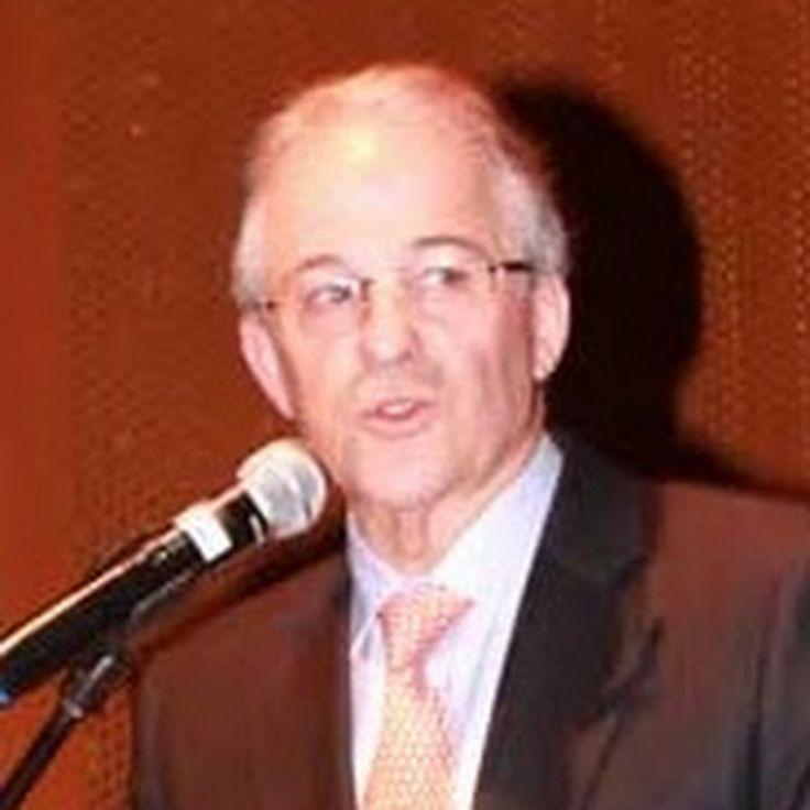 Leo Eisenband Gottlieb --> http://www.youtube.com/user/LeoEisenbandGottlieb