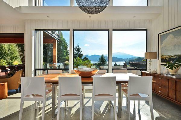 Glam coastal home on British Columbia's Sunshine Coast