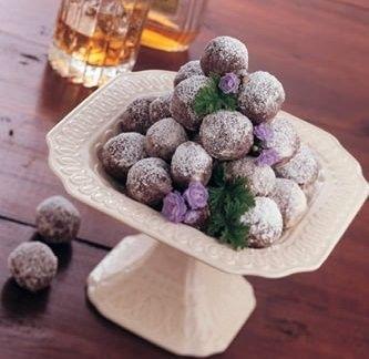 Bourbon Balls: Desserts Recipes, Ball Recipes, Cooking Desserts, Jack Daniel, Bourbon Balls, Horseshoes, Kentucky Derby Parties, Parties Recipes, Jars