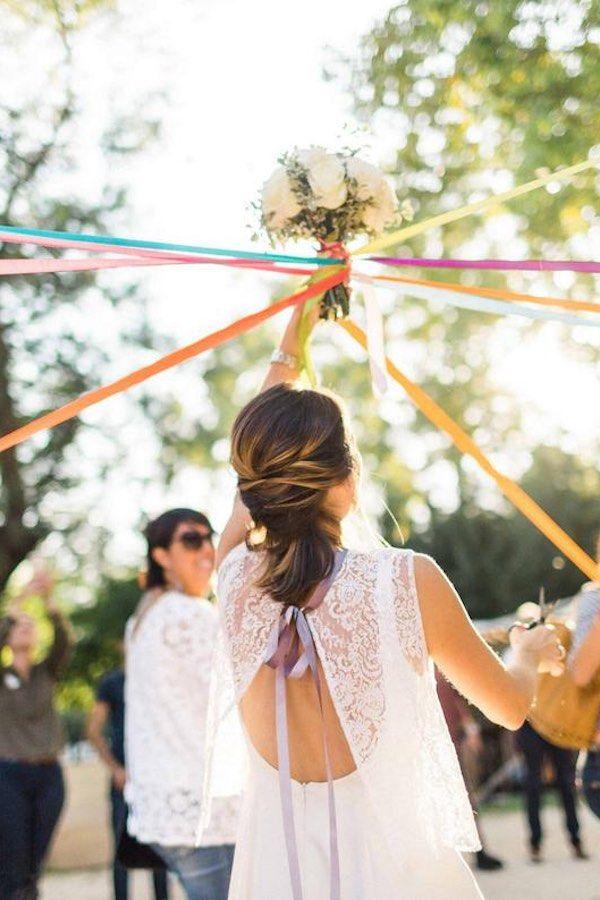 10 alternatives au lancer du bouquet de la mariée