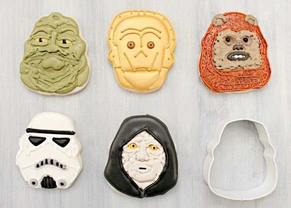 Skull Cutter Star Wars Cookies using holiday cookie cutters from SWEETSUGARBELLE.COM, great site!