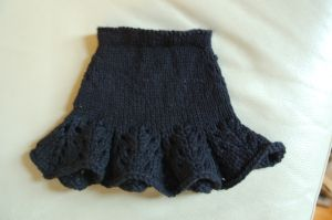 """Free knit skirt pattern for 18"""" doll"""