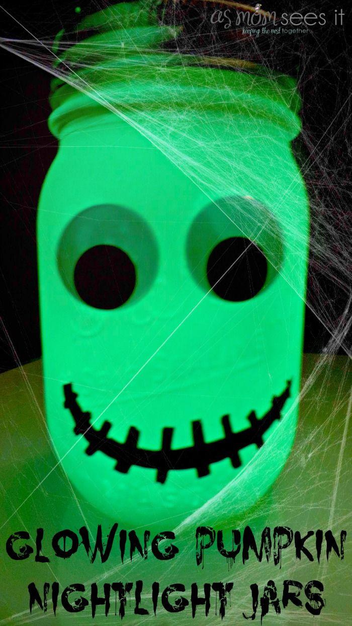 Halloween craft: glowing pumpkin jars