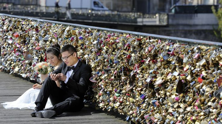 Excellent Paris Will Permanently Remove All The Love Locks On Pont Des Arts also Bridge Love Padlocks In France | Goventures.org