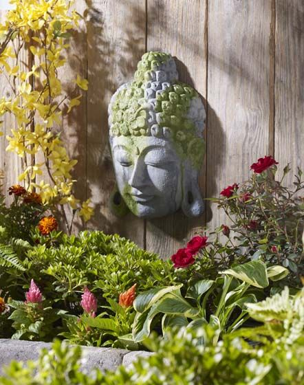 General Crafts - Moss-Covered Buddha Garden Decoration Idea