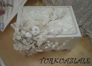 turkuaz.lale: Deri ve organze çiçeklerle bezenmiş yatak örtüsü ve sandık