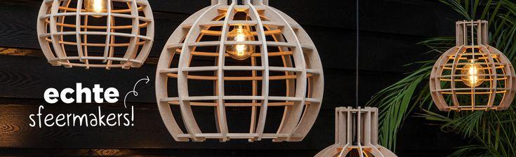 Gratis verzending boven 50,-Zelfgemaakte industriele lampen van houtOnze houten lampen brengen licht, warmteen sfeer in een ruimte. In onze werkplaats worden lampenkappengeheel uit hout vervaardigd, varierend vanØ30 -Ø120cm.