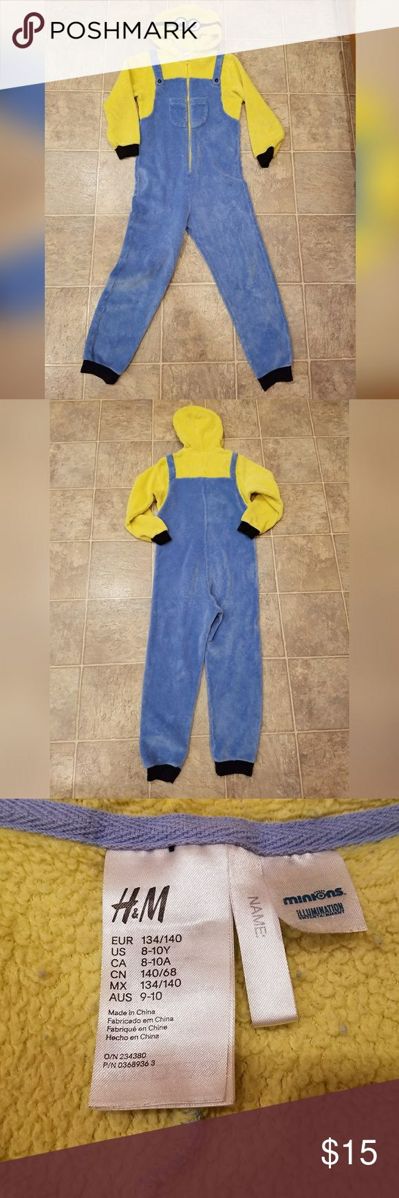 Awesome, kid's, MINIONS outfit! So soft and comfy. Excellent condition. Brand is H&M. Size is 8-10Y. 100% polyester. Zips up front. H&M Costumes