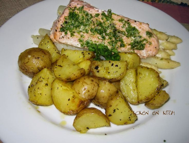 ... lekker met aardappeltjes in de oven           Ingrediënten voor 4 personen:   1 teen knoflook, geperst  2 el peterselie, fijngehakt  75...
