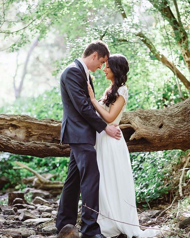 Stunning photo down in our creek yesterday at Scott & Alyce's wedding by @lucindamayphotography  #inglewoodinn #adelaidehills #weddinginspo #adelaidehillsweddings #inglewoodinnweddings