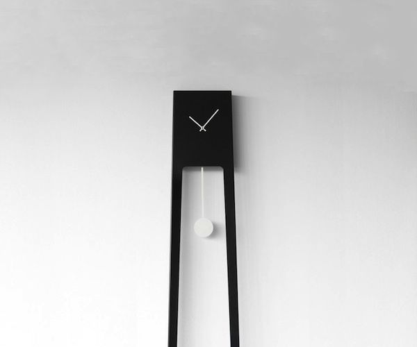 Tiuku Pendulum Clock / Like many other vintage device, the grandfather clocks have also undergone a modern revamp through this Tiuku Pendulum Clock, It's definitely one of the most unusual form of pendulum clocks you've ever seen. http://thegadgetflow.com/portfolio/tiuku-pendulum-clock/