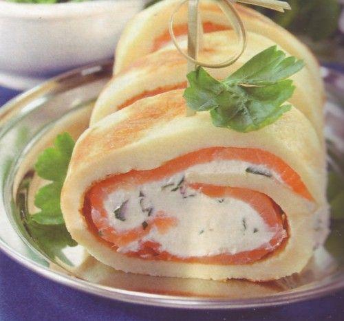 Рулет из блинов с лососем и сыром
