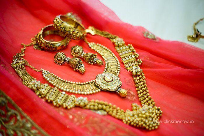 02-gold-bridal-jewellery