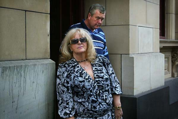Judy Moran and Desmond 'Tuppence' Moran leave the Supreme Court April 14 2004 after an adjournment relating to a police seizure of the assets of Lewis Moran after his murder. Photo: Craig Abraham