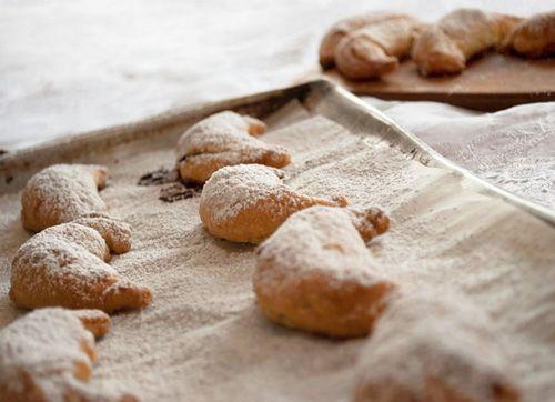 Daddy Cool!: 5 Μοναστηριάκές γλυκές συνταγές που πρέπει να γνωρίζετε