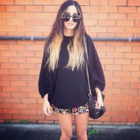 Ombre hair.Floral Shorts, Hair Colors, Sweaters And Shorts, Ombre Hair, Over Sweaters, Hair Style, Oversized Sweaters, Ombré Hair, Dyes