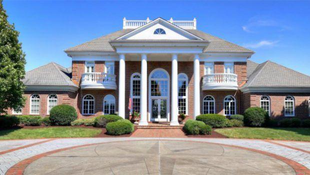 Villa con piscina in stile resort negli Stati Uniti