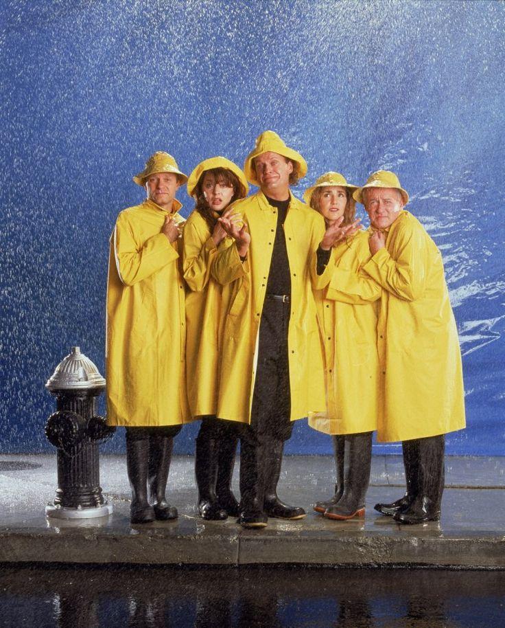 David Hyde Pierce, Jane Leeves, Kelsey Grammer, Peri Gilpin, and  John Mahoney,  in Frasier (1993)