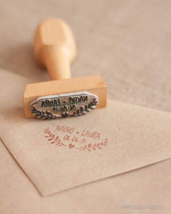 Adressstempel - so müsst ihr nicht überall per Hand den Absender draufschreiben. Wenn man nur Namen und Datum der Hochzeit nimmt kann man den Stempel evtl auch noch anders verwenden...