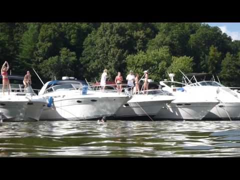 2013 Handy on the River Bubba's Marine Party.  This is the best WC Handy Music Festival event!  It occurs annually on Shoal Creek and is accessible by boat only.  Get there early, anchor up and have fun!  I filmed this video with a Panasonic Lumix TS3 camera in 1080P HD.  Please share this video and enjoy my other videos too!  Thanks!