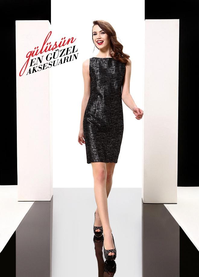 ELFE Elbise Markafoni'de 149,50 TL yerine 74,99 TL! Satın almak için: http://www.markafoni.com/product/3616470/