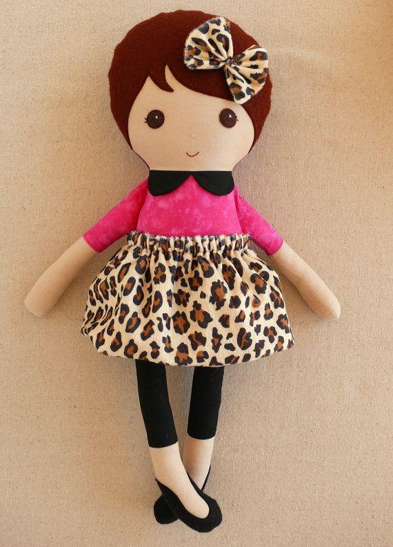 Muñeca de trapo muñeca de tela marrón pelo niña vestida de impresión leopardo