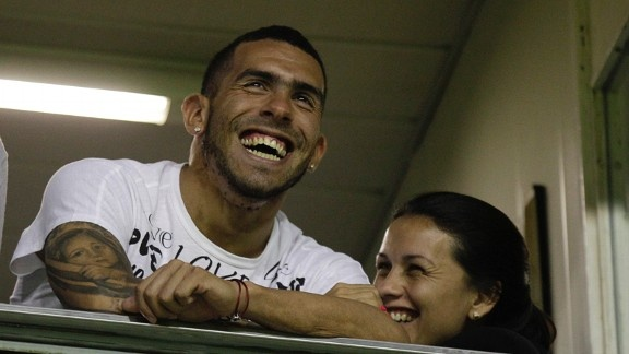 Manchester City legend and former director Dennis Tueart believes City need to sell Carlos Tevez in order to make room for Robin van Persie.