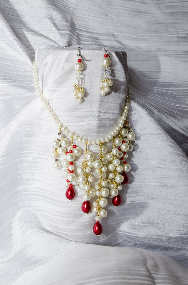 River of pearls neacklace and earings