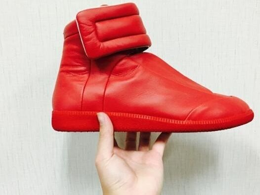 73.00$  Watch here - http://alim1u.shopchina.info/1/go.php?t=32814103883 - 2017 Hot Selling Solid Red White Black Round Toe High Quality Leather Shoes For Men Hook&Loop Flat Shoes High Top Casual Shoes 73.00$ #aliexpressideas