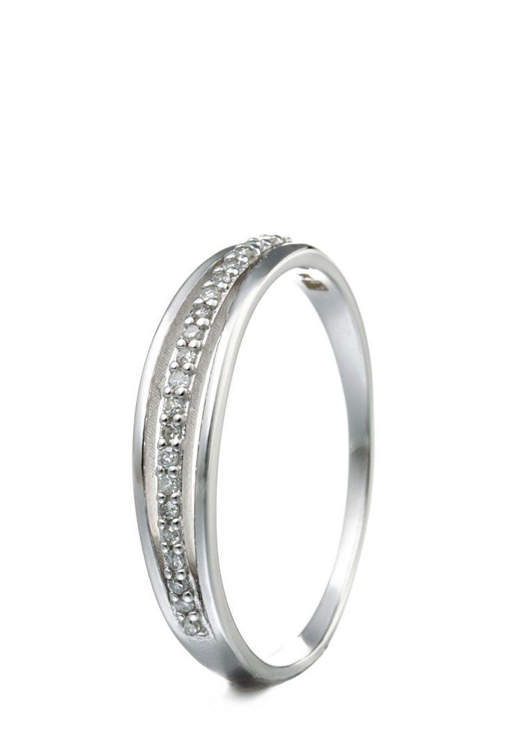 Vittoria Jewels Ring, 9K Weißgold, Diamant silber Jetzt bestellen unter: https://mode.ladendirekt.de/damen/schmuck/ringe/silberringe/?uid=ee2c5ad2-54cf-55dd-88a2-d06e4fa01163&utm_source=pinterest&utm_medium=pin&utm_campaign=boards #schmuck #ringe #bekleidung #silberringe Bild Quelle: brands4friends.de