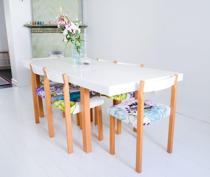 Photo by 5kulma blog Vallila fabric on chairs